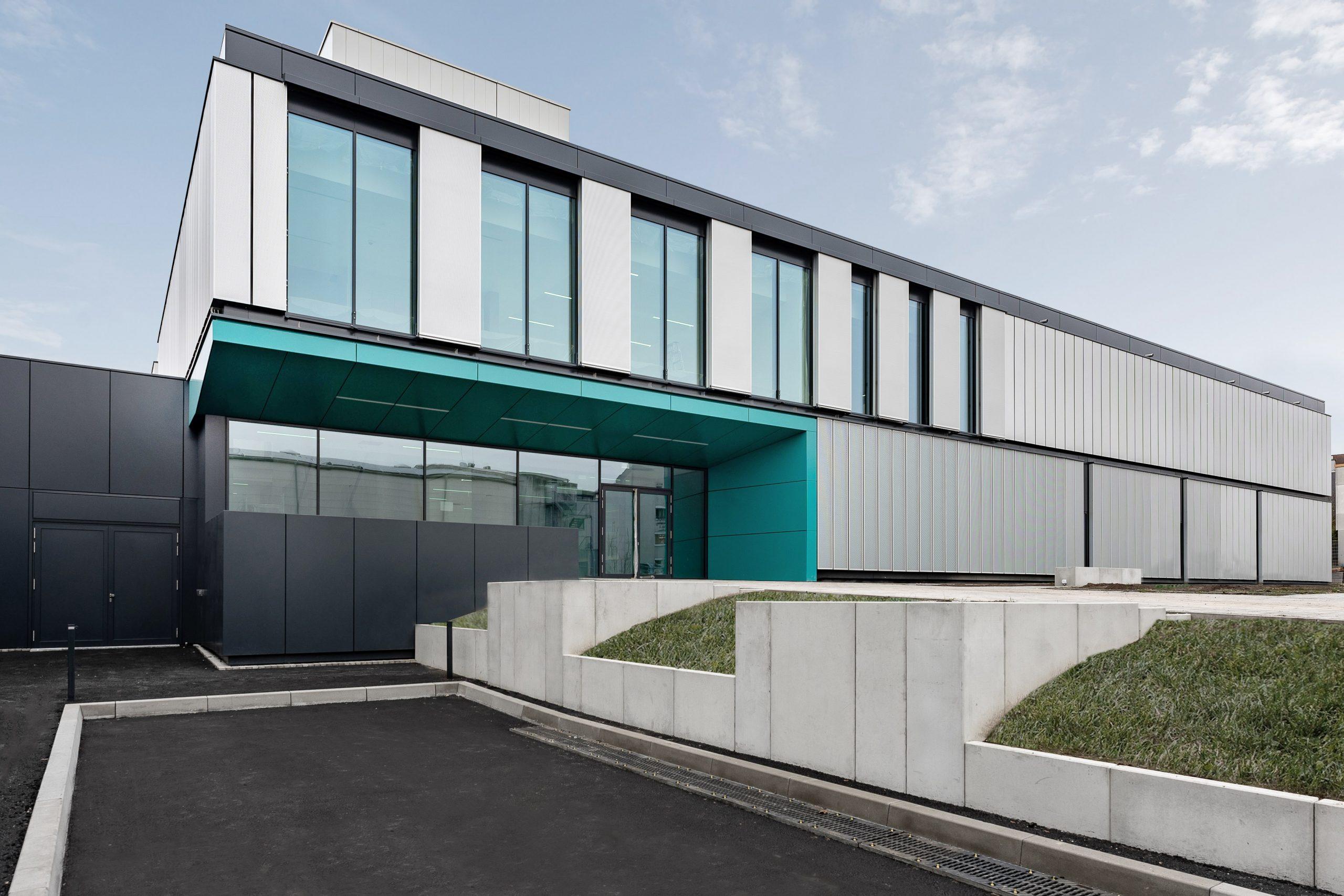 NOVA Architekten Außenperspektive Laborgebäude und Technikum Fraunhofer IMM