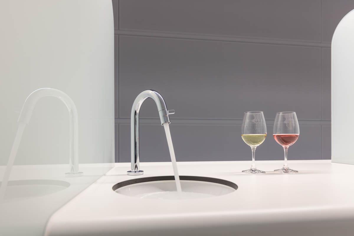 Sensorikzentrum LWG Prüfplätze Verkostung Licht Wein